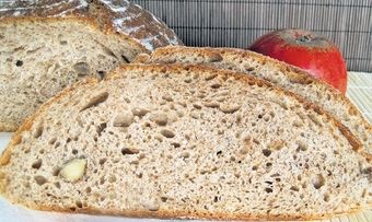 Apfel-Nuss-Brot