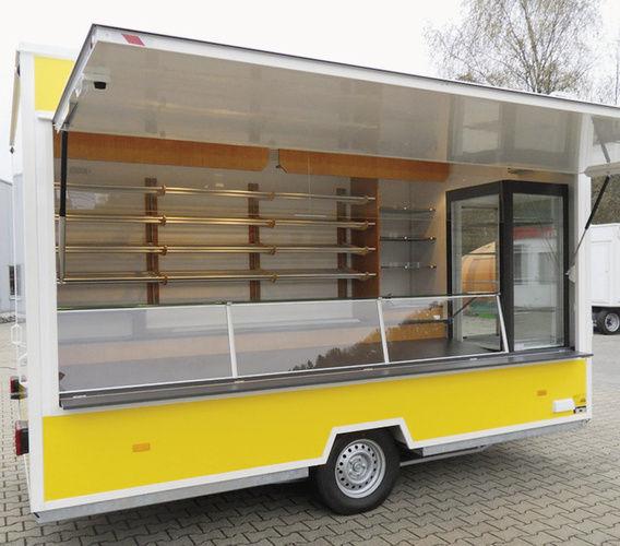 Wenn es um kurz- oder mittelfristiges Verkaufen geht, sind die komplett ausgestatteten Verkaufsanhänger von Hofmann mit Innenlängen von 3 bis 5 m richtig.