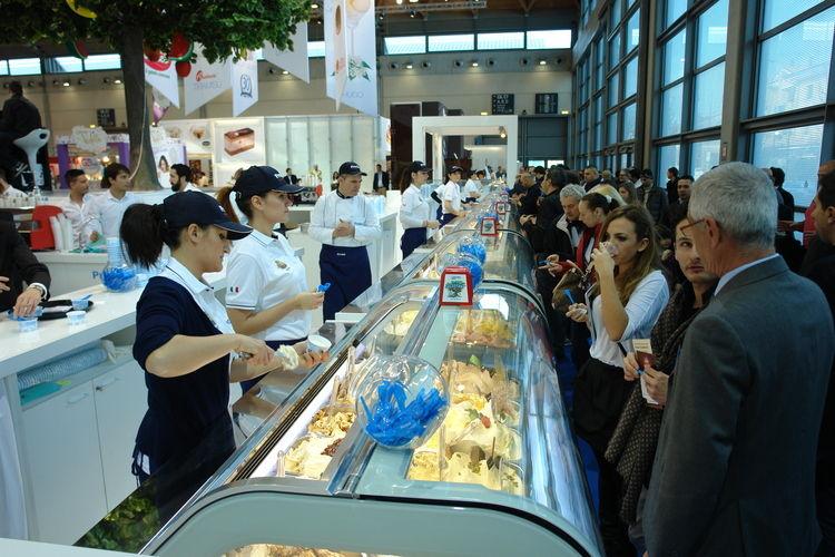 Sich durch die Vielfalt der Eissorten zu probieren, gehört beim Besuch der Sigep dazu.