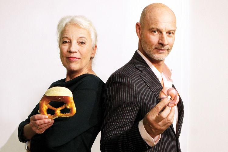 """Der Schauspieler Simon Licht spielt an der Seite von Ulrike Barthruff in der Serie """"Laible und Frisch""""."""