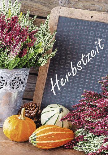 Saisonal passende Dekoration stimmt Kunden auf die Produkte ein.