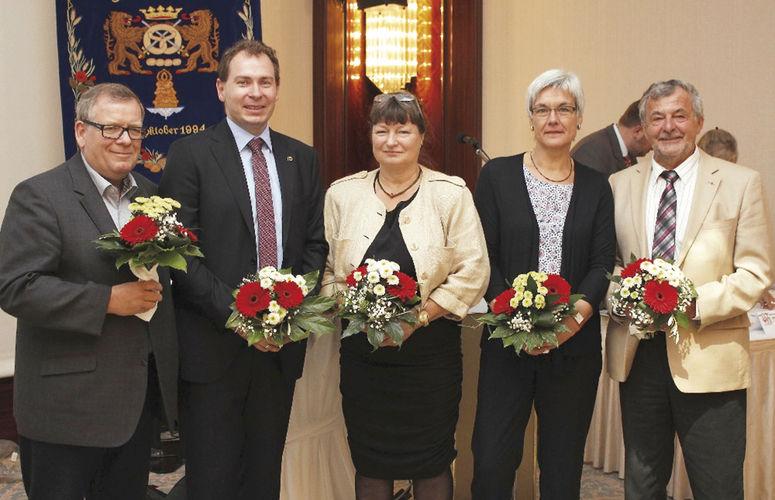 Der neu gewählte Vorstand (v.l.): Klaus Schreiber, Matthias Rauch (Kassenwart), Diana Lewandowski, Bäckermeisterin und Verbandsvorsitzende Christa Lutum und Rolf-Michael Schmidtke.