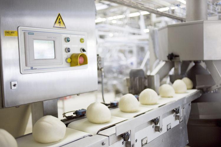 Auch Großbäckereien tragen zum Umsatz der Ernährungsindustrie bei.