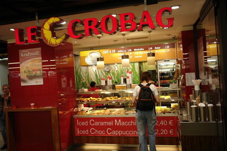 Eine Filialleiterin von LeCrobag soll Mitarbeitern Urlaubstage verweigern.