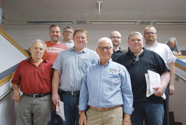 Der Vorstand der Bäckerinnung Straubing-Deggendorf mit Obermeister Max Artmeier (vorne Mitte) auf der Hauptversammlung.