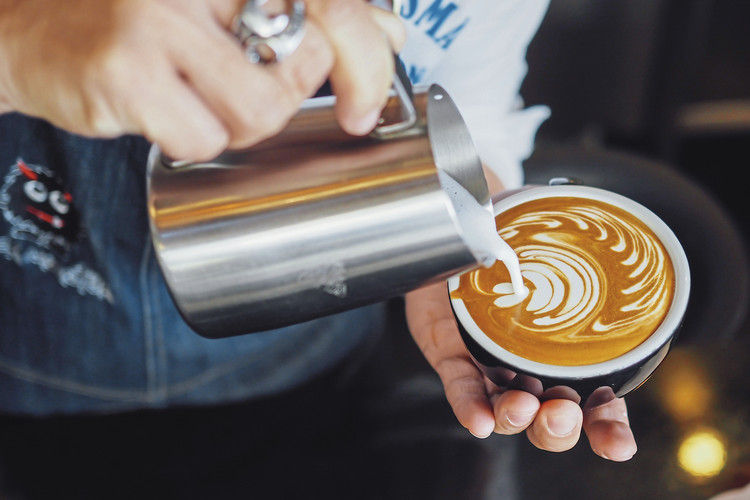 Das kann auch der Bäcker: Kaffee mit Genussfaktor anbieten.
