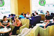 Werden künftig auch Starbucks-Filialen in Europa zu Studenten- und Künstlertreffs mit  Alkoholausschank umgestaltet?