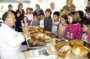 Brotprüfer Ernst Schwefel informierte rund um das Thema Brot.