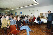 Die zahlreichen Seminarteilnehmer waren in Stockstadt den Wurzeln des Backens auf der Spur.