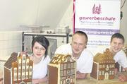 Die Sieger des Wettbewerbes 2010 (von links): Sabrina Sasse (Platz 2 / Bäckerei Dollmeier), Timo Jedamzik (Platz 1 / Bäckerei im Gut Wulfsdorf, Ahrensburg) und Fin Schäpers (Platz 3 / Bäckerei Remmert, Lübeck).