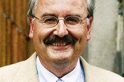 Wilhelm Hundertmark referierte über die neuen Kennzeichnungsvorschriften und Hygienebestimmungen.