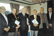 25 Jahre ist Wolfgang Altenburger Mitglied der Bäko. Martin Magnus, Hermann Aichele, Thomas Scherzinger gehören der Genossenschaft seit 40 Jahren an. Sie wurden in der Versammlung geehrt. Links im Bild Vorstandsmitglied Erwin Heitzmann, rechts Bäko-G