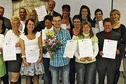 Die erfolgreichen Absolventen des Studiengangs Ernährungsberatung an der Akademie Deutsches Bäckerhandwerk in Dresden.