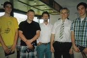 Obermeister Fritz Trefzger (2. von rechts) mit jungen Kollegen, die auf der Lehrlingsbörse aktiv waren.