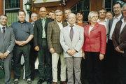 Mitglieder und Gäste der Innungsversammlung Offenburg mit Obermeister Helmut König (7. von rechts) und Bäko-Direktor Jochen Knorpp (links).