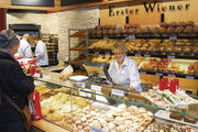 """Schon die """"Erster Wiener""""-Läden von Heberer zielen mit Einrichtung, Sortiment und Auftritt auf das Premiumsegment bei Backwaren. Dies soll nun am Flughafen Frankfurt weiter ausgebaut werden."""