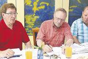 Heinz Krauß, Schriftführer Bodo Schwabe und Kassier Günter Dietschmann vom Landesverband der Fachvereine in Hessen-Rheinhessen (von links).