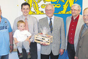 An der Spitze der Bäckerinnung Schwalm-Eder (von links): Michael Noll, Obermeister Olaf Nolte mit Sohn Conrad, der seitherige Obermeister Günter Gronowski sowie die amtierenden Stellvertreter Horst Brandt und Günter Schwarz.