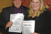 Die beiden Innungsbesten Jennifer Gummersbach und Markus Donath.