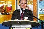 Bayerns Verbraucherschutzminister Schnappauf setzt sich für eine Paradigmenwechsel ein: Primäre Aufgabe des Gesundheitswesen muss die Erhaltung der Gesundheit, nicht die Behandlung von Krankheiten sein.