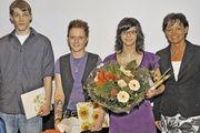 Die Besten mit Ministerin Lucia Puttrich (von links): Marius Schuppler, Anna Rebecca Rabenau und Andrea Rechner.
