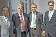 Persönlich im Gespräch (v. l.): Direktor Leo Trumm (Olpe), LIM Heribert Kamm, Minister Johannes Remmel und Geschäftsführer Peter Karst.