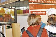 Einen Screenshot mit Bäckermütze auf dem Kopf erhielten jugendliche Standbesucher, die sich für das Bäckerhandwerk interessierten.
