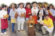 Die teilnehmenden Kollegen am 3. Chemnitzer Brotmarkt waren von der riesigen Resonanz der Kunden völlig überrascht und mit dem Verkauf ihrer Erzeugnisse vollauf zufrieden.
