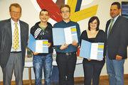 Obermeister Jochen Meyer mit Sabrina Schäfer, Daniel Kern, Dominic Strauß und Harald Böhm (von rechts).