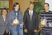 Die besten badischen Bäcker des Meisterkurses 2011: Bettina Mayeres (2. v. l.) und Olaf Krautz (r.) zusammen mit Ute Sagebiel-Hannich und Fritz Trefzger.