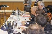 Das Präventionsseminar, bei dem Geschäftsführerin Bettina Emmerich-Jüttner den Referenten Reinalt Kowalewski (stehend, r.) vom LKA Bremen begrüßte.