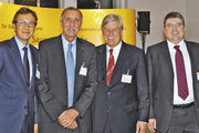 Unterhielten sich angeregt: Der Vorsitzende des Backzutatenverbands Detlev Krüger (von links), sein Vorgänger Bernd Diekmann, Zentralverbandspräsident Peter Becker und Christof Crone, Geschäftsführer des Backzutatenverbands.
