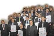 Landwirtschaftsminister Helmut Brunner (vorne 2. v. r.) und Landesinnungsmeister Heinrich Traublinger (li.) mit den Preisträgern: Josef Anders (Bruckmühl), Herbert Bauer (Stephanskirchen), Harald Böhm (Uttenreuth), Dietmar Brandes (Größweinstein), Ge