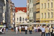 Neumarkt mit Blick zum Kurländer Palais: Der wohl bekannteste Platz in der Innenstadt wird schrittweise in Anlehnung an seine einstige prachtvolle Barockgestaltung aus dem 18. Jahrhundert rekonstruiert.