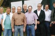 Das Vorstandsteam (von links): Heiko Koch, Joachim Lessau, Stefan Scharbau, Horst Millahn, Uwe Matz, Claus Zingelmann, Dirk Fischer, Jürgen Wagner,Helmut Börke, Jörn Dwenger und Obermeister Martin Martensen .