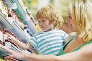 Klare Wahl: Immer mehr Verbraucher entscheiden sich beim Kauf von Lebensmitteln für die Eigenmarke des Geschäftes – eine Chance für Bäckereien.