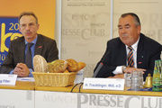 Verbandsgeschäftsführer Wolfgang Filter (links) und Heinrich Traublinger.