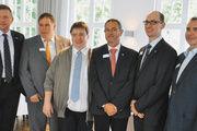 Das Vorstandsteam (von links): Geschäftsführer Klaus Nerjes, Aufsichtsratsvor-sitzender Andreas Klingenberg mit den AR-Mitgliedern Godehard Höveling (neu) sowie Hanspeter Corente, Matthias Zieseniß und Helge Koch.