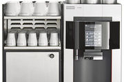 Die Pura kann auf Knopfdruck bis zu 32 verschiedene Getränke herstellen.