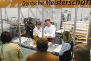 Vier deutsche Zweier-Teams kämpfen in den gläsernen Backstuben auf der iba um die Deutsche Meisterschaft der Bäckermeister.