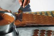 Neues Sortiment mit Halb- und Fertigfabrikaten aus Schweizer Schokolade.