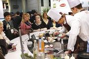 Beobachten, wie es die Anderen machen: Auf der Internorga gibt es gute Gelegenheiten, um von den Gastro-Profis einiges abzuschauen.