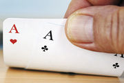 Wer richtig wirbt, hat gute Karten im Spiel mit den Mitbewerbern