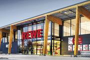 Rewe baut ein erstes Restaurant direkt neben einem Supermarkt, um Synergien zwischen Handels- und Gastrogeschäft zu nutzen.