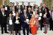 Staatssekretär Dr. Gerd Müller überreichte gemeinsam mit dem Vize-Präsidenten der DLG Prof. Dr. Achim Stiebing, die Medaillen und Urkunden an die Preisträger.