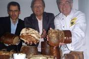Engagieren sich (von links): Karsten Müssig, Dietrich Grönemeyer und Handwerksbäcker Raymund Hinkel.
