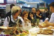 Vom Kaffee über den Snack bis zum Plausch mit Kollegen: Die Fachmesse in Stuttgart bietet alles, was backende Betriebe und Konditoren für ihre Arbeit brauchen.