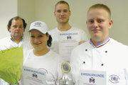 Freuen sich: (von links) Landeslehrlingswart Helmut Börke, Franziska Bladt, Tom Pawelzik und Landessieger Alexander Großkurth.