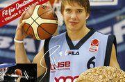 """Steffen Hamann, Basketball-Nationalspieler und Pate des """"Fit für Deutschland Brotes"""" aus der Gramss Backstube."""