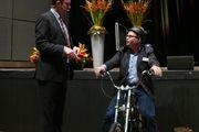 """""""Business ist like riding a bike"""" macht Unternehmensentwickler Lutz Langhoff (links) auf dem Bäko-Workshop deutlich."""